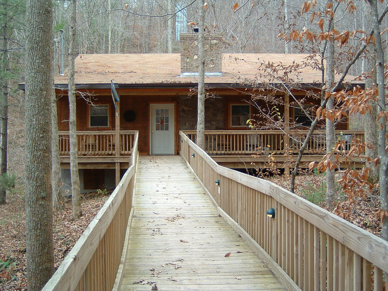 Cottage 1 – 4 bedrooms, 4 baths, full kitchen, outdoor grill